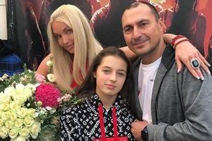Раз в год!: Волочкова пожаловалась на нерадивого отца своей дочери
