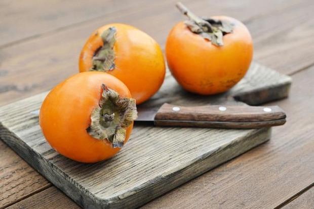Хурма: эксперты предупредили об опасности популярного фрукта