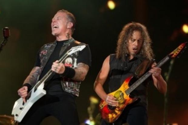 Солист забухал по-черному. Metallica отменила все концерты